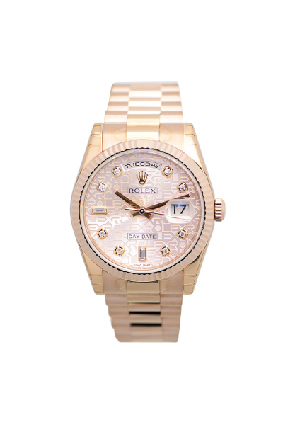 2021 New Rolex Day-date 36MM Logo Embossed Pink Face Diamonds Index Female Rose Gold Watch Replica